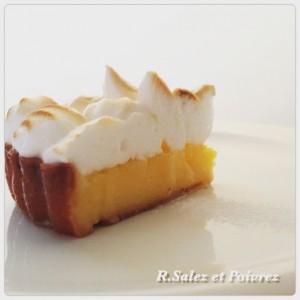 タルト・シトロン 初夏のデザート レモンたっぷりのタルトです。