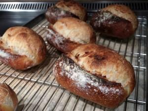 自家製 天然酵母パン